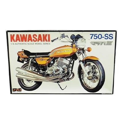 ナガノ 1/8 カワサキ 750-SS マッハIII ポスター付/バイク プラモデル