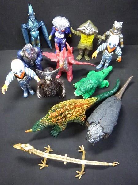 ウルトラマン 日本製  怪獣ソフビ ナース ゴモラ 他
