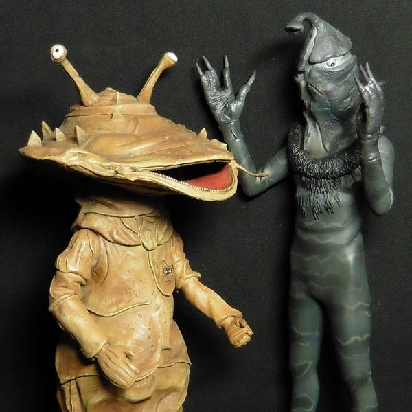 X-PLUS カネゴン ケムール人 怪獣 figure / ウルトラQ