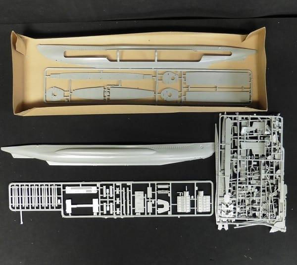 Revell 53.3m ドイツ潜水艦 U-47 内部再現モデル_2