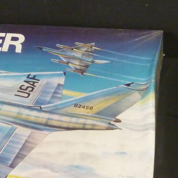 モノグラム 1/48  5704 USAF B-58 ハスラー_2