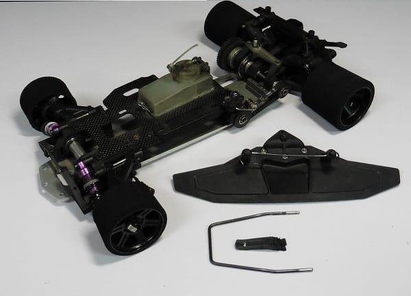 サーパント 1/8 エクセル シャーシ / エンジンRCカー