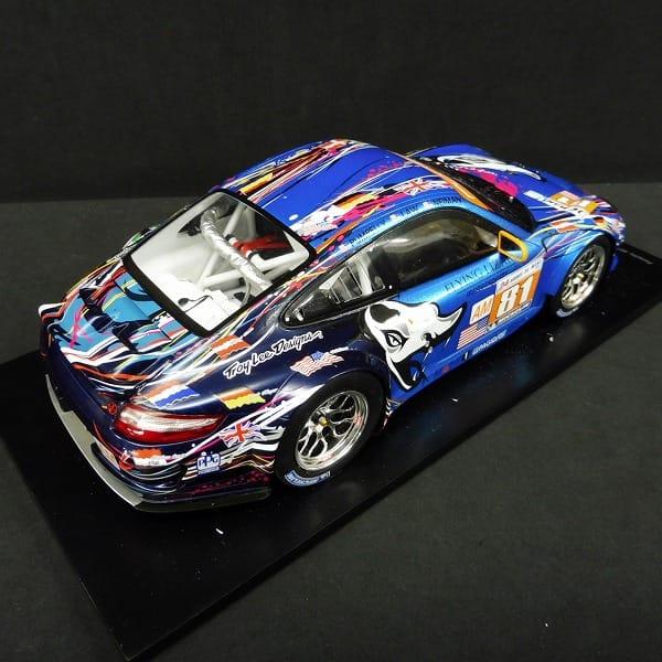 スパーク 1/18 ポルシェ997 GT3 RSR No.81ルマン2011_3